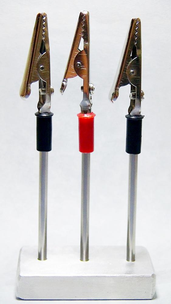 Fliegenbindezubehör, selbstgebauter Fliegenhalter zu verkaufen.