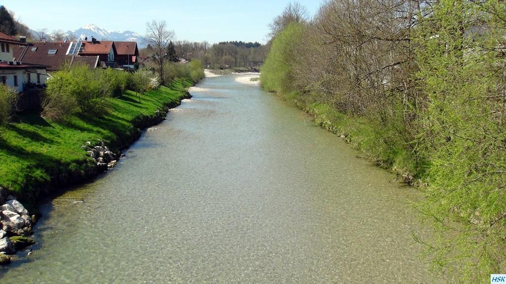 Fliegenfischen in der deutschen Traun im April 2015